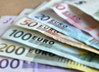 Ile zarabia opiekunka osób starszych w Niemczech?